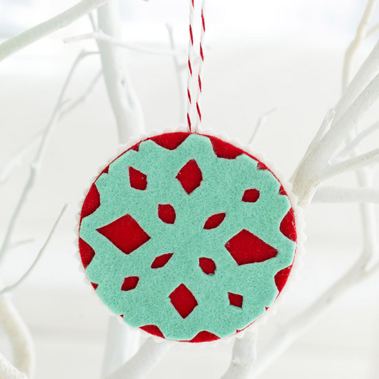 Easy Felt Christmas Ornaments - felt christmas decorations