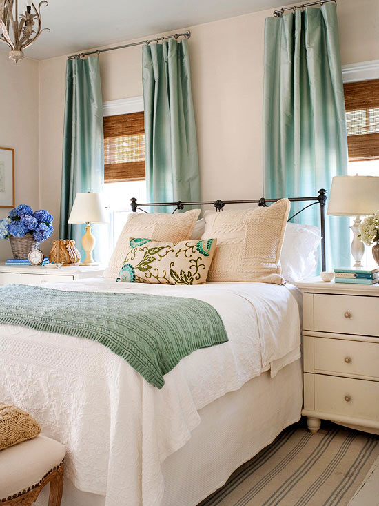 How to Decorate a Small Bedroom - design your bedroom