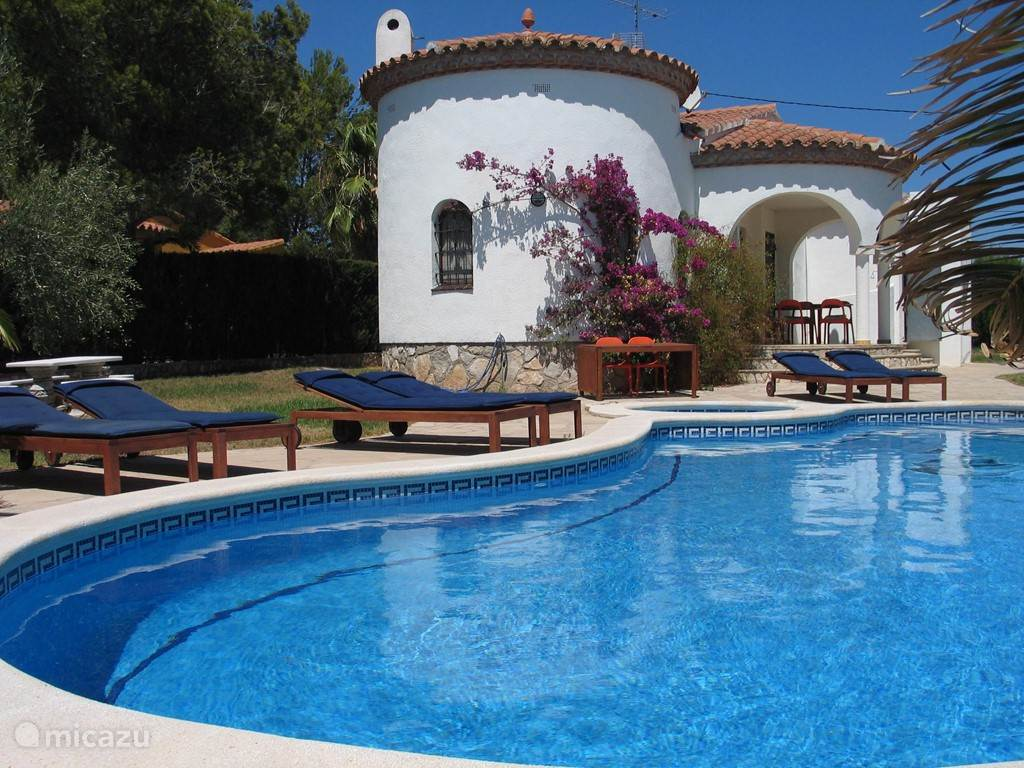 Jacuzzi Pool De Rent Villa With Private Pool And Jacuzzi In Ametlla De Mar Costa Daurada Micazu
