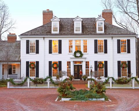 Fall Cape Cod Wallpaper Colonial Christmas Decor Ideas Midwest Living
