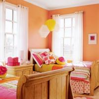 Decorating with Reds and Oranges | Midwest Living