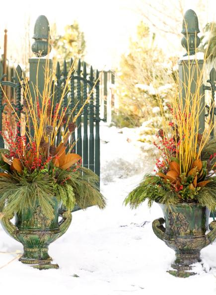 Decorating Styles Outdoor Holiday Decorating With Natural Materials