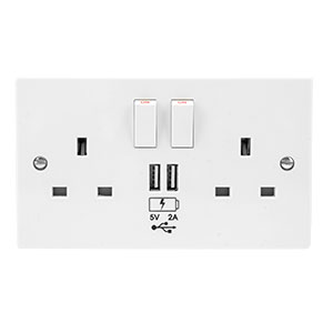 enCharge UK Power Socket with USB Charging Wall Plate