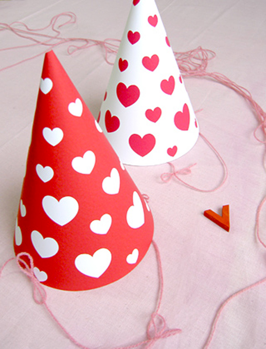 Valentine Hearts Party Hats - Mr Printables