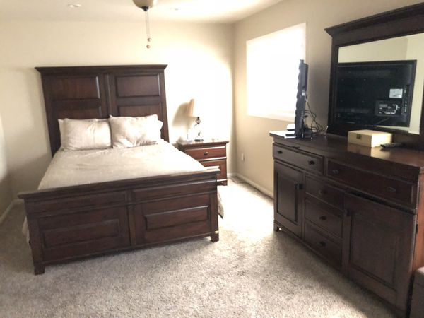 Queen Bedroom Set With Mattress And Box Spring For Sale In