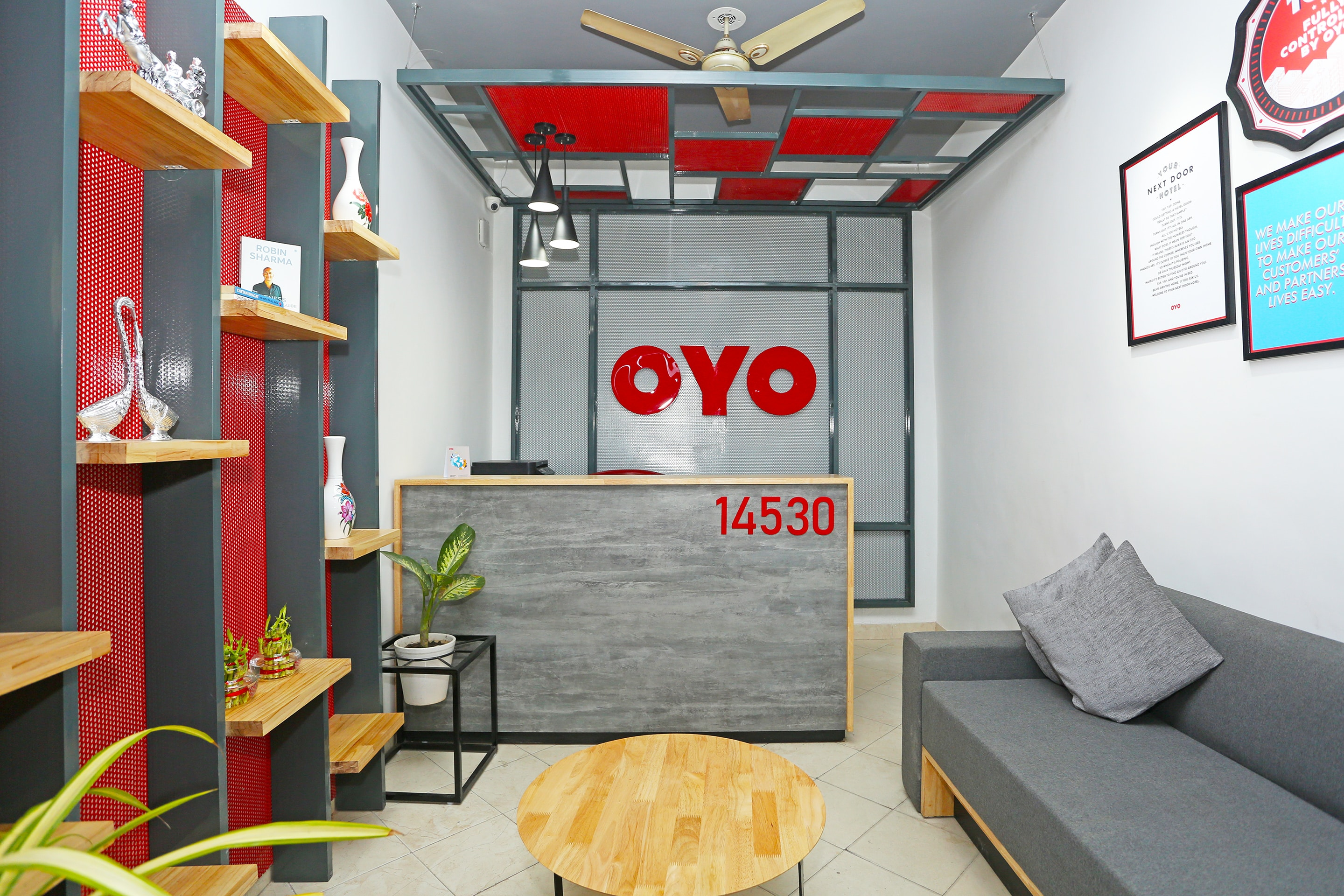Next Sofa Helpline Oyo Flagship 14530 Sector 14 Harsh Villa Gurgaon Gurgaon Hotel
