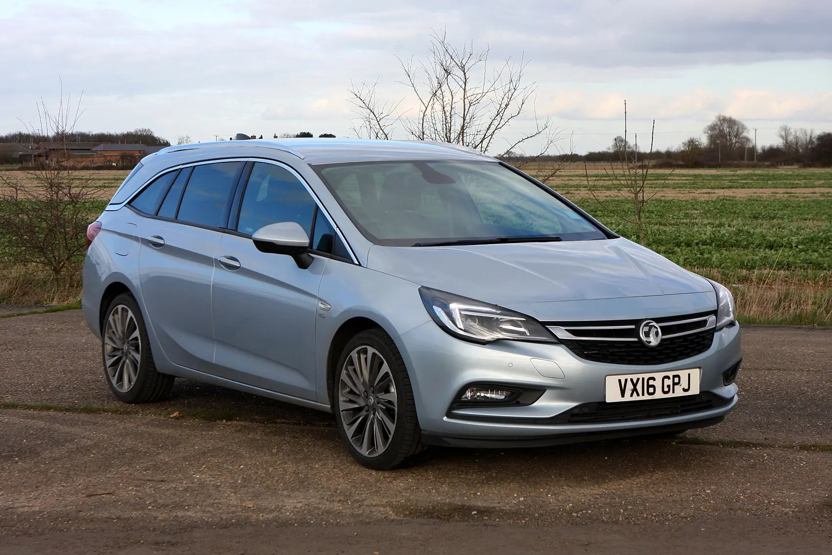 Vauxhall Astra Sports Tourer Vauxhall Astra Sports Tourer Review Parkers