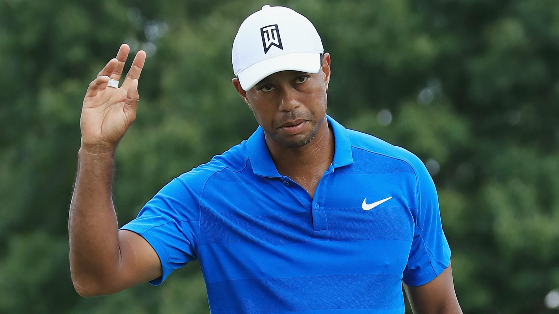 tiger woods tee time today round 2