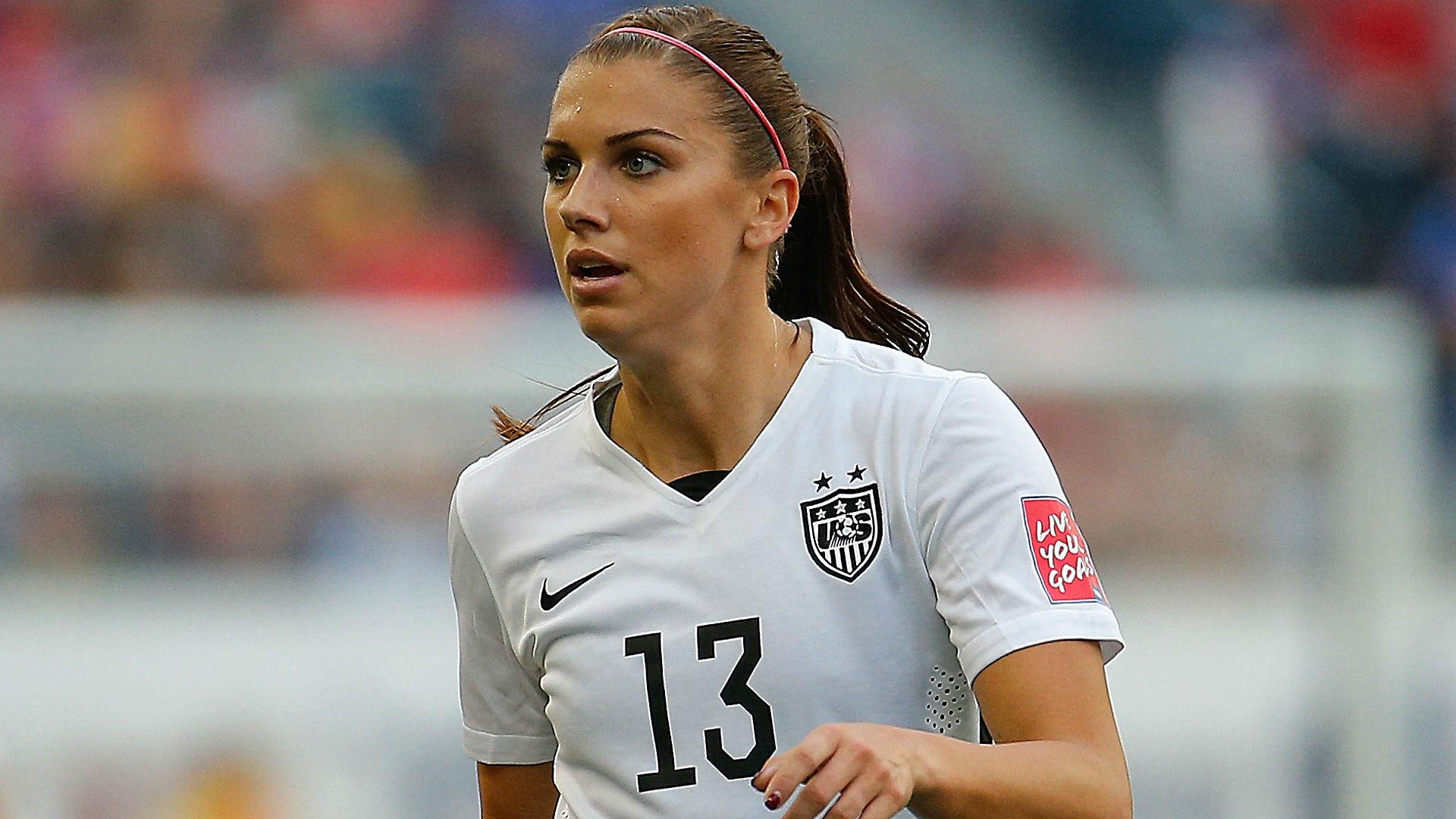 Cute Lady Wallpaper Hd Women S Soccer Stars Alex Morgan Abby Wambach Poised To