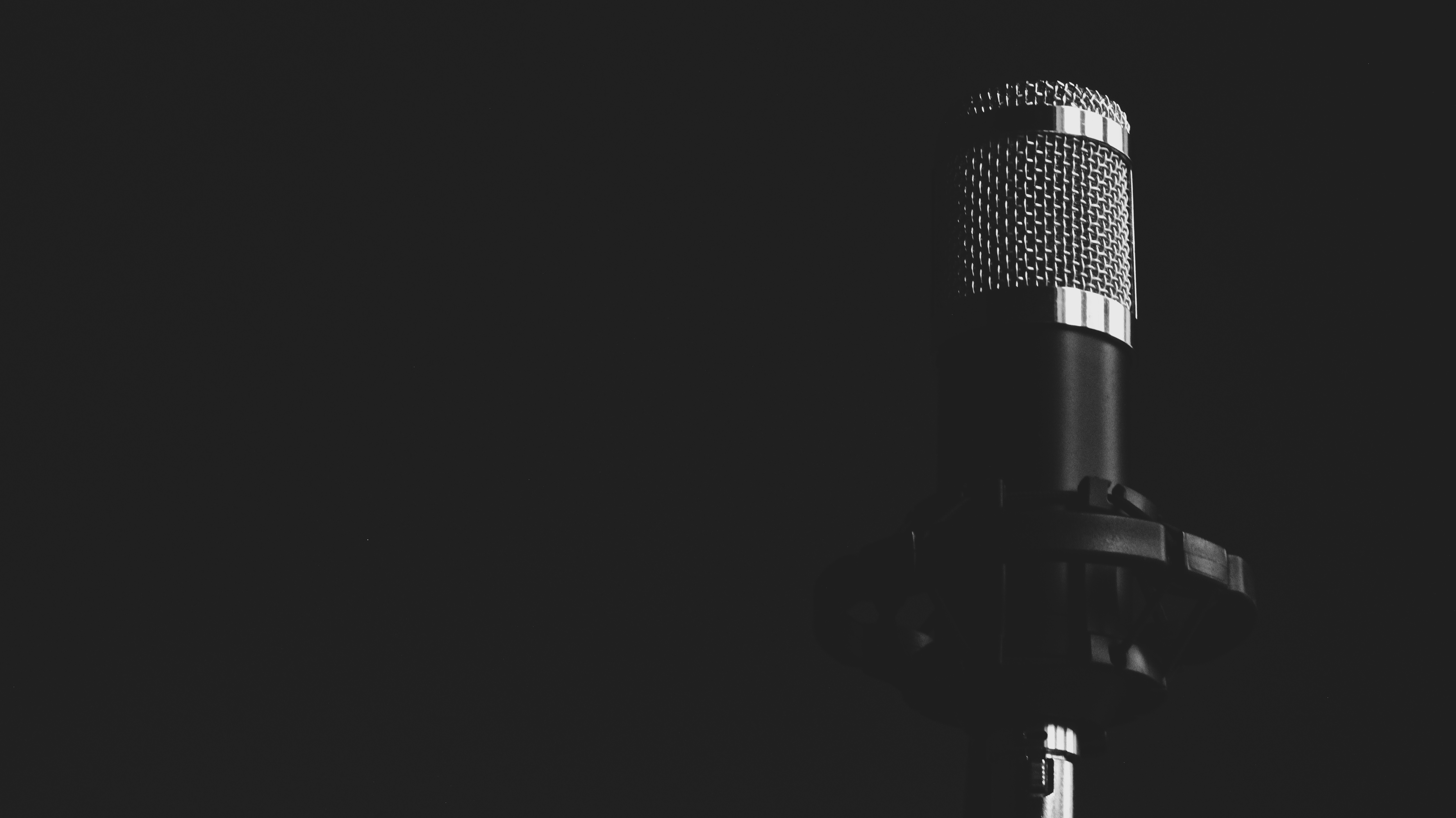 White Iphone 5 Wallpaper Hd 100 Amazing Microphone Photos 183 Pexels 183 Free Stock Photos