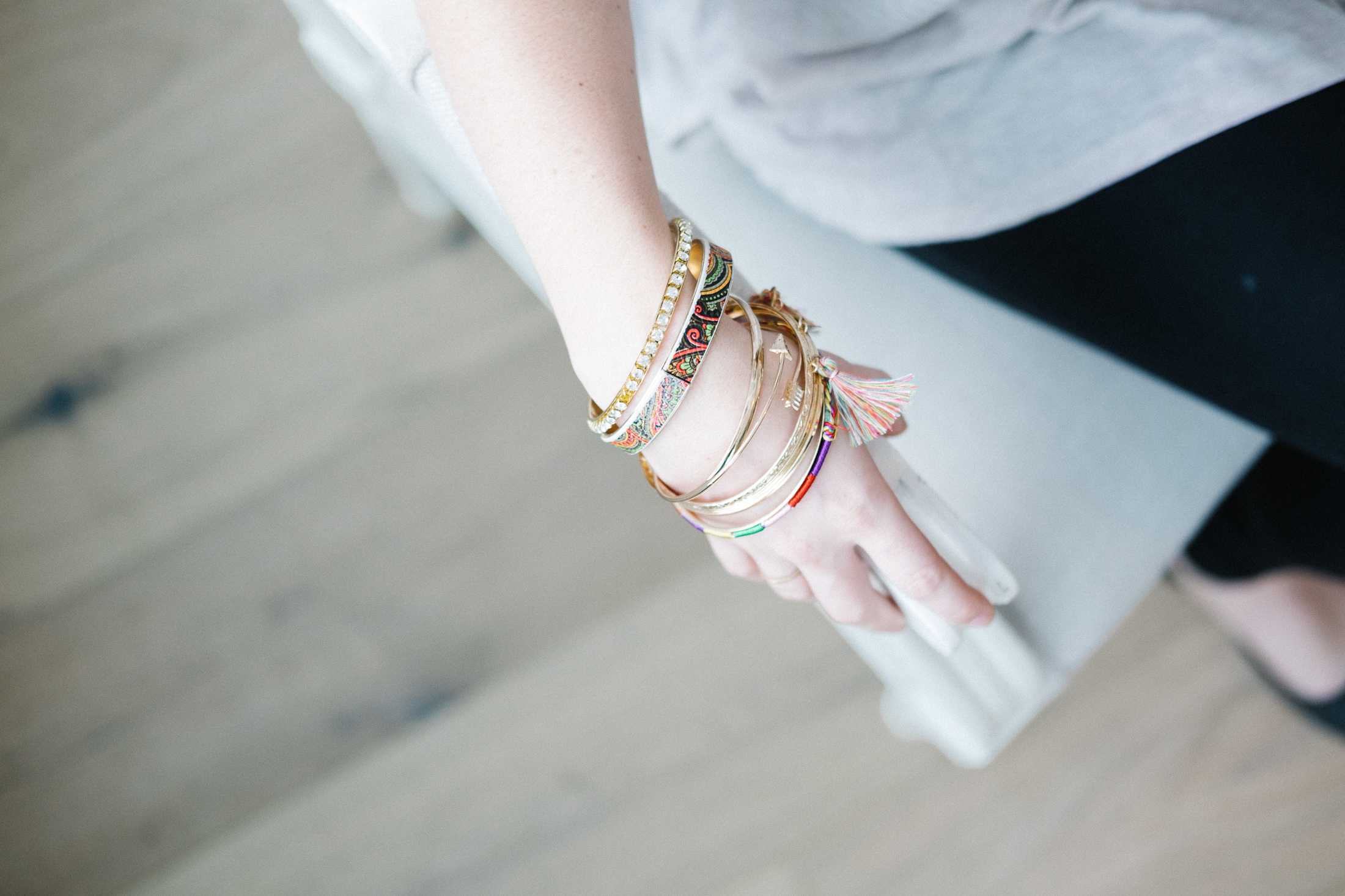 Wallpaper Girl Hd Free Download Selective Focus Photo Of Person S Hand With Gold Bangles