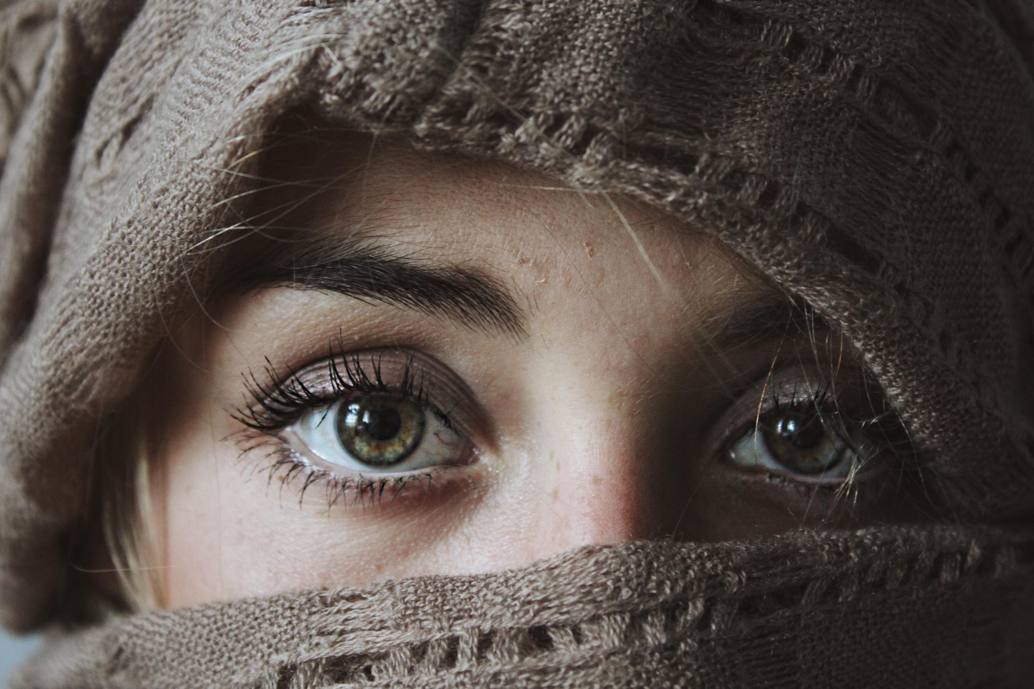 Girl Glasses Wallpaper 1000 Engaging Eyes Photos 183 Pexels 183 Free Stock Photos
