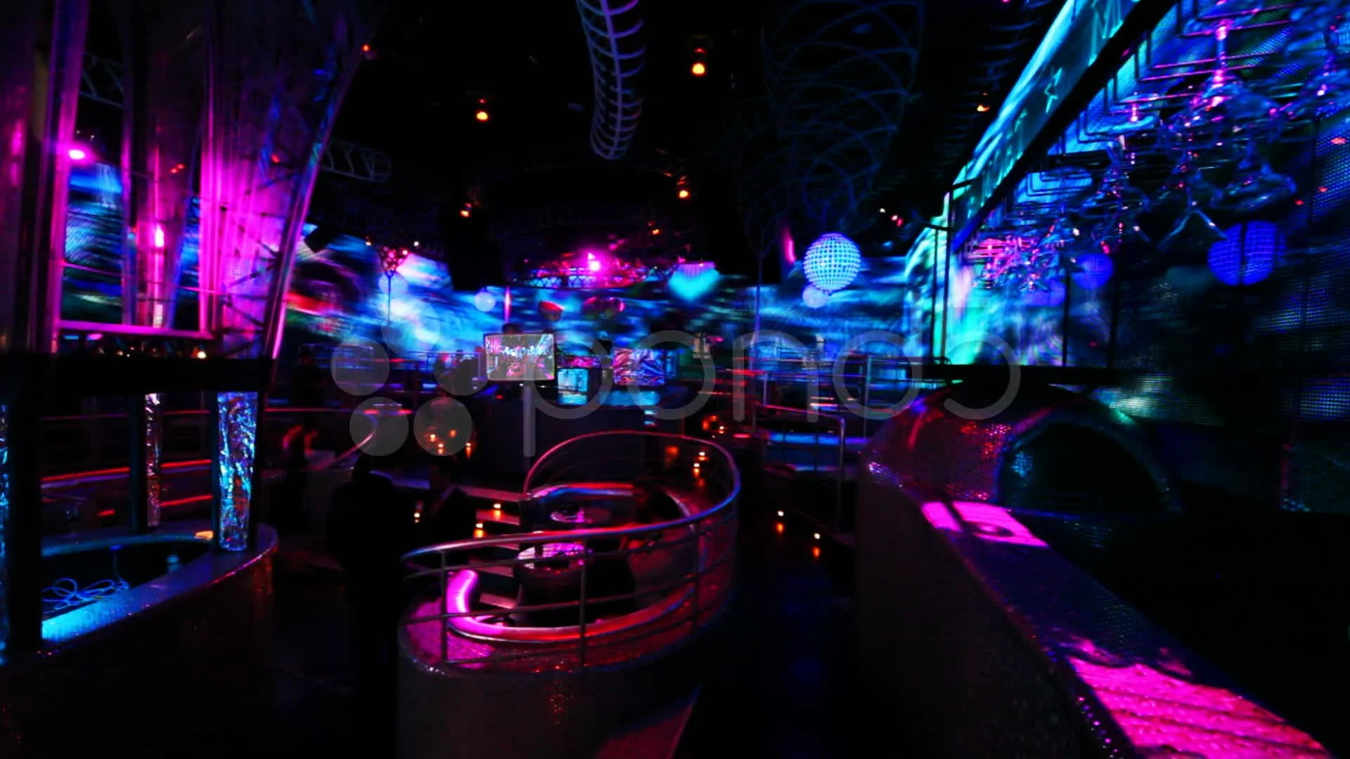 Gta Car Themed Wallpaper People In Nightclub With Bright Led Illumination On Walls
