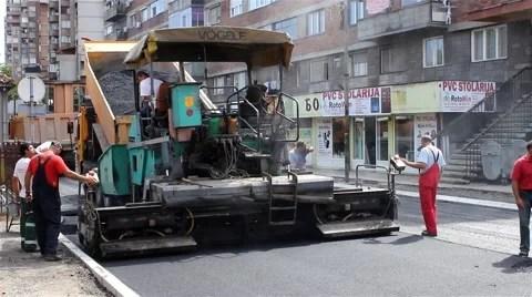 Roadworks Machine for asphalt Paving Asphalting Workers control