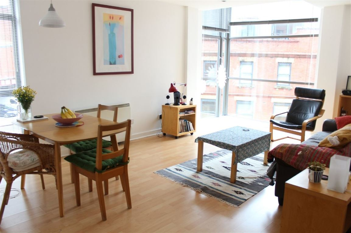 2 Bed Apartment Manchester 2 Bed Apartment Deansgate Quay Manchester