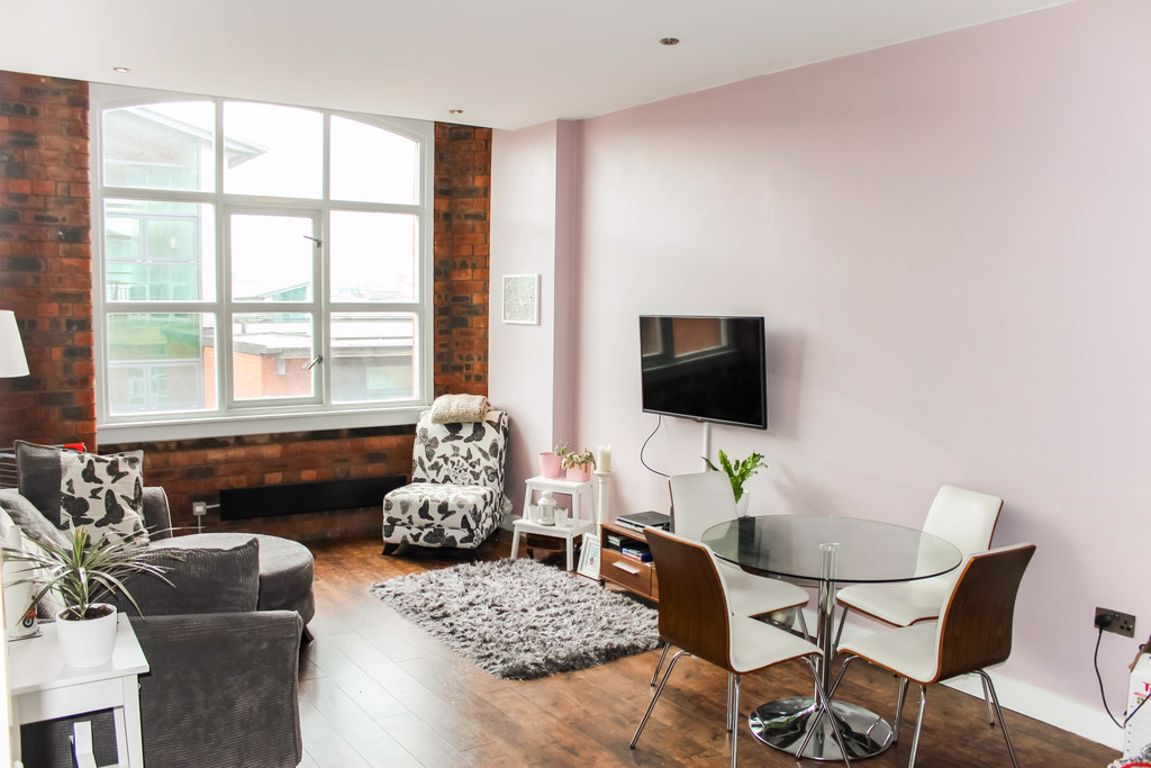 2 Bed Apartment Manchester 2 Bed Apartment Royal Mills Manchester
