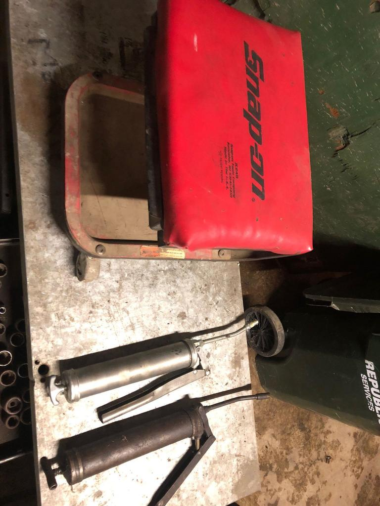 Shop Tool Boxes Lot Craftsman Tool Box W Snap On Shop Roller Bench Proxibid