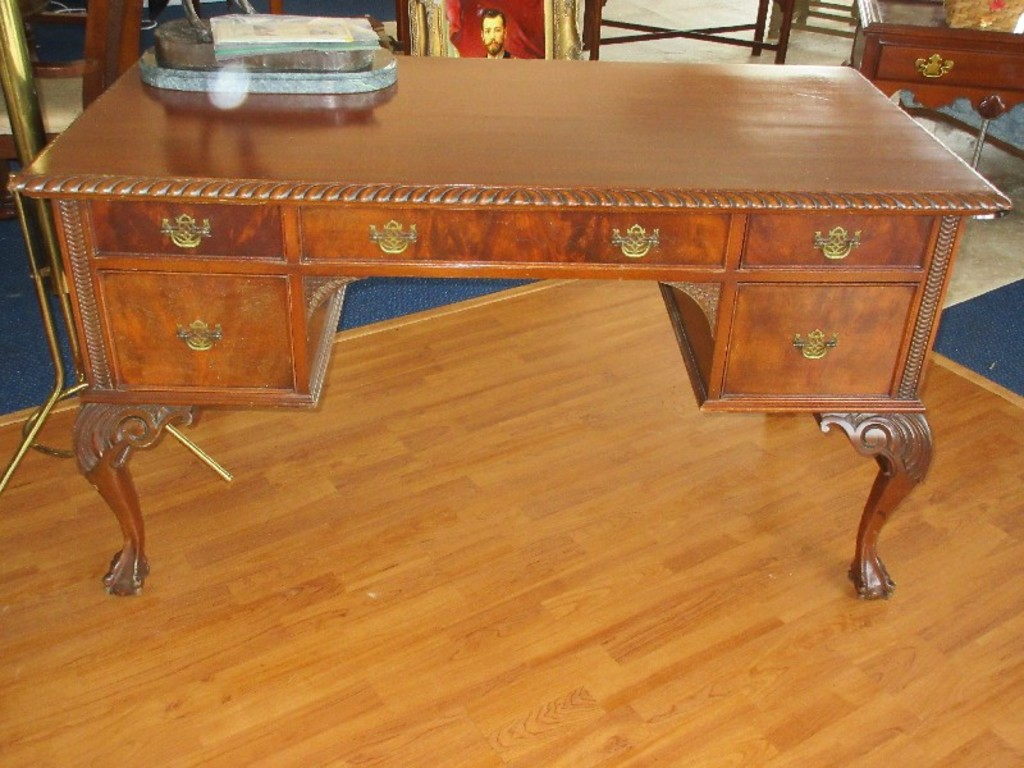 Elite Furniture Co Jamestown N Y Mahogany Chippendale Style Desk Estate Personal Property Personal Property Online Auctions Proxibid