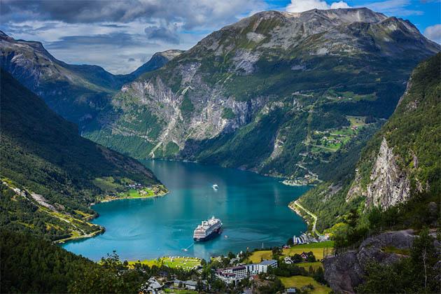 Norwegian Fjords Cruise Tips - Cruise Critic - fjord