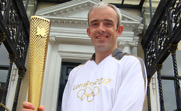 Ruby Walsh and the Olympic torch 06.06.2012