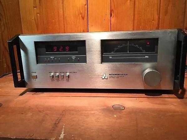 Mitsubishi DA-F20 Stereo FM Tuner Reverb