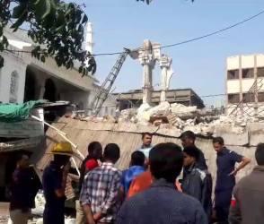અમદાવાદ: શાહપુરમાં હલીમની મસ્જિદની દીવાલ ધરાશાયી, જુઓ Video