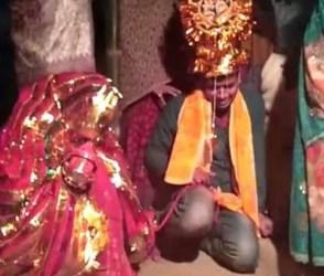 ગજબના લગ્ન: ચોરીમાં ધ્રુસકેને ધ્રુસકે રડવા લાગ્યો વરરાજા, જુઓ VIDEO