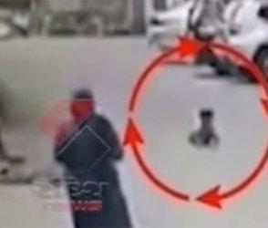 રમતા રમતા બાળક અચાનક કાર નીચે આવ્યું, વીડિયો જોતા જ હોશ ઉડી જશે