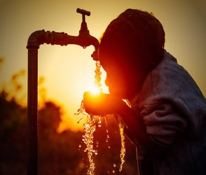 Video : વિશ્વ જળ દિવસ પૃથ્વી પર 75 ટકા ભાગમાં પાણી હોવા છતા પાણીની તંગી