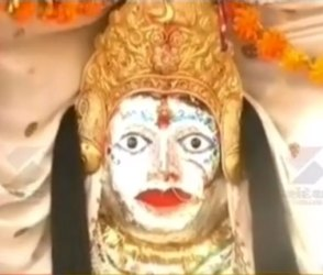 ભારતના આ મંદિરમાં માતાજી મહિને એકવાર સ્વયં અગ્નિસ્નાન કરે છે