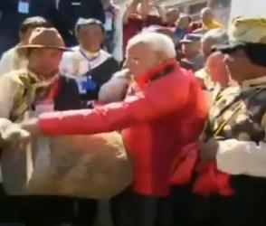 નેપાળમાં પારંપરિક ઢોલ વગાડતા નજર આવ્યાં પીએમ મોદી, જુઓ વીડિયો