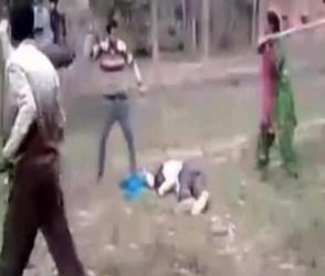 Video : પતિને ઢોરમાર મારી રહ્યું હતું લોકોનું ટોળું, લાકડી લઇ આવી પત્ની અને…