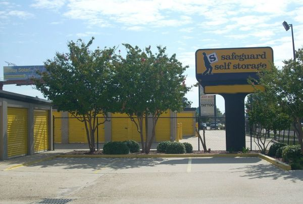 Self Storage Units At 10811 Coursey Blvd Baton Rouge La & Safeguard Storage Baton Rouge - Listitdallas