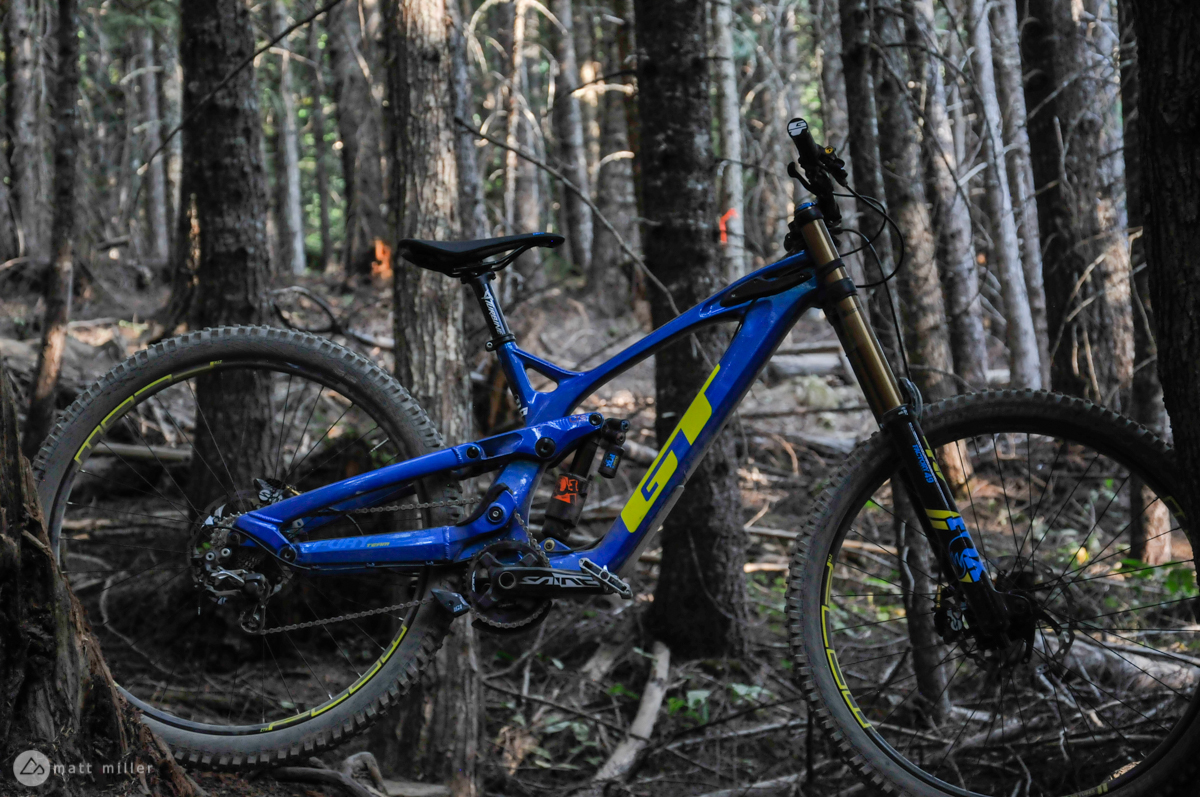 29 Er Bike First Ride Review The New Gt Fury 29er Downhill Bike