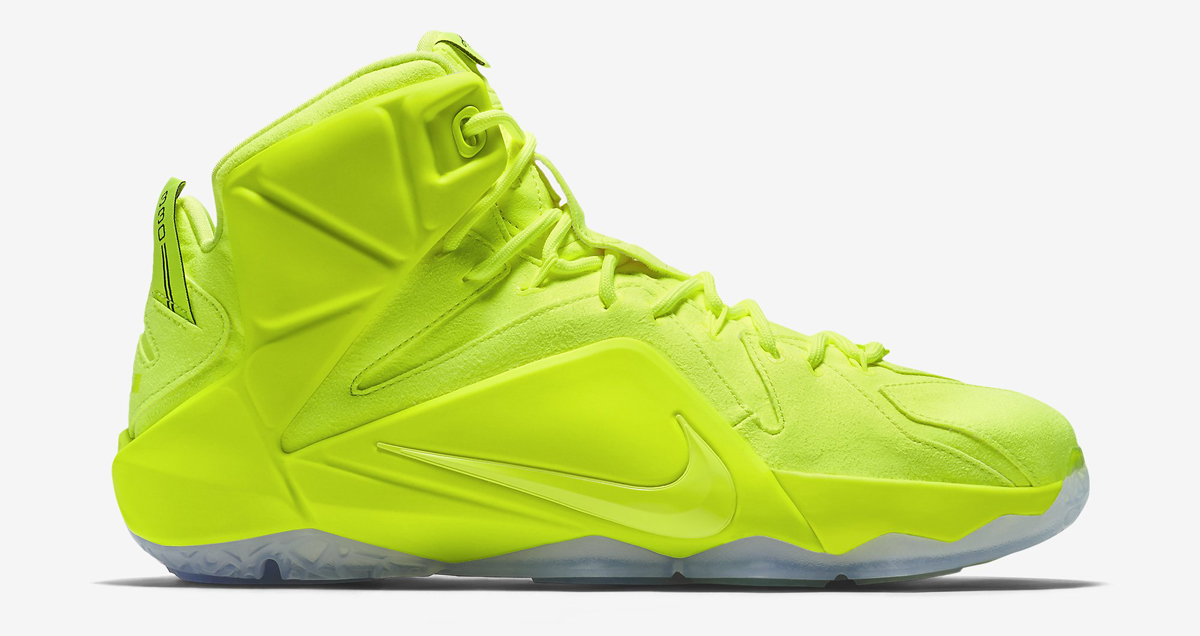 Here\u0027s a Full Look at the \u0027Tennis Ball\u0027 Nike LeBron 12s Sole Collector - why is there fuzz on a tennis ball