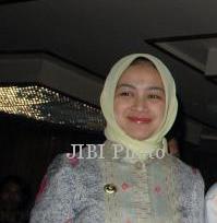 Lowongan Kerja 2013 Di Kabupaten Tangerang Lowongan Kerja Terbaru Di Medan Tahun 2016 Wali Kota Tangerang Selatan Jenguk Suami Di Kpk News 187; Soloposcom