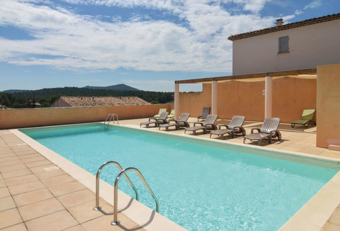 Golf Salon De Provence 3 Bedroom Holiday Rental Villa With Pool In South Of France