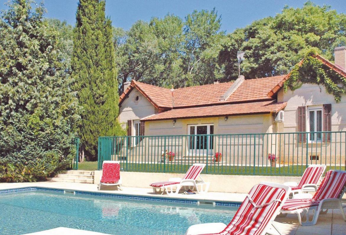 Hotel Salon De Provence 4 Bedroom Holiday Rental Villa With Pool In South Of France