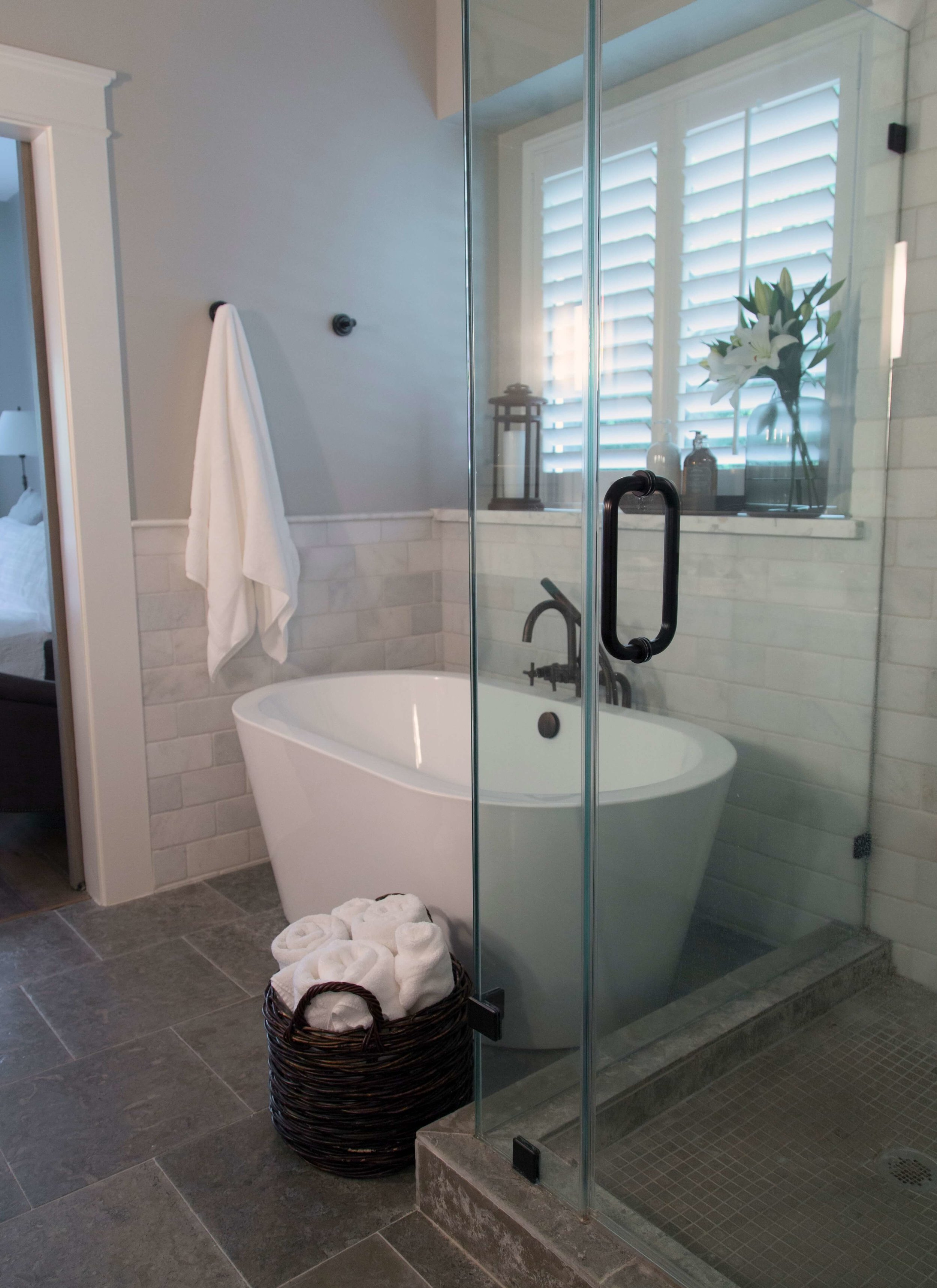 Bathroom Design Quick Tip A Sure Fire Way To Make Your Small Bathroom Look Bigger Designed