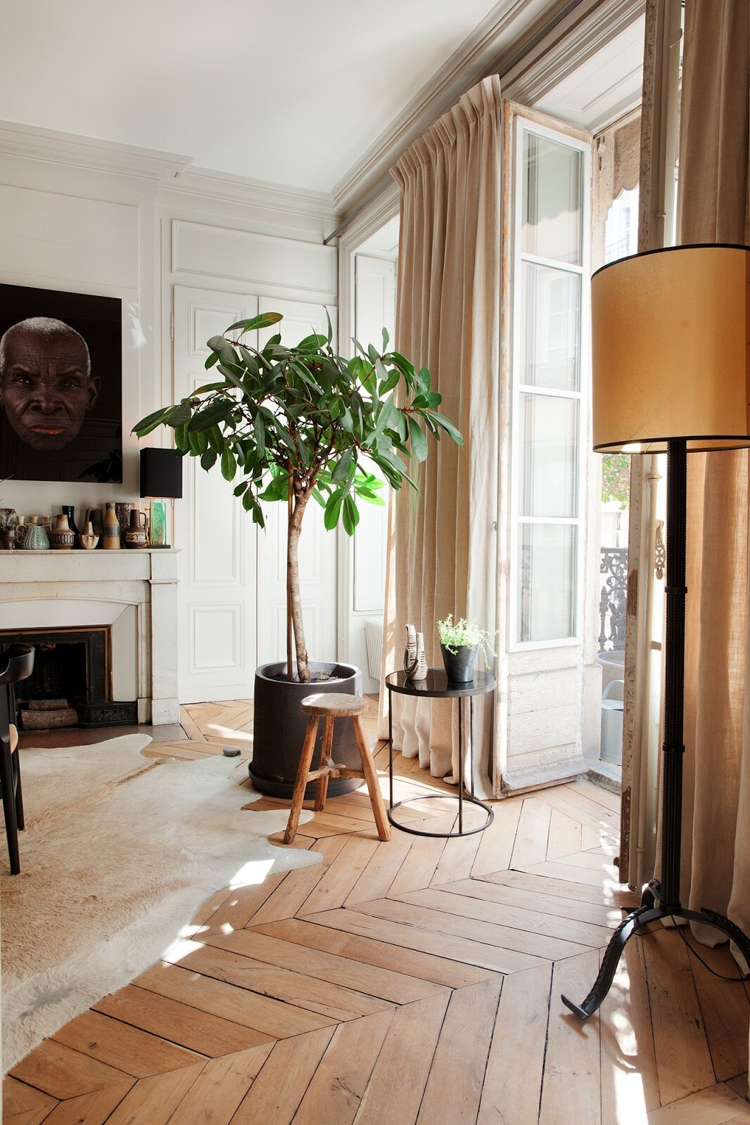 A French Apartment With A Monochromatic Color Scheme The Property Lovers