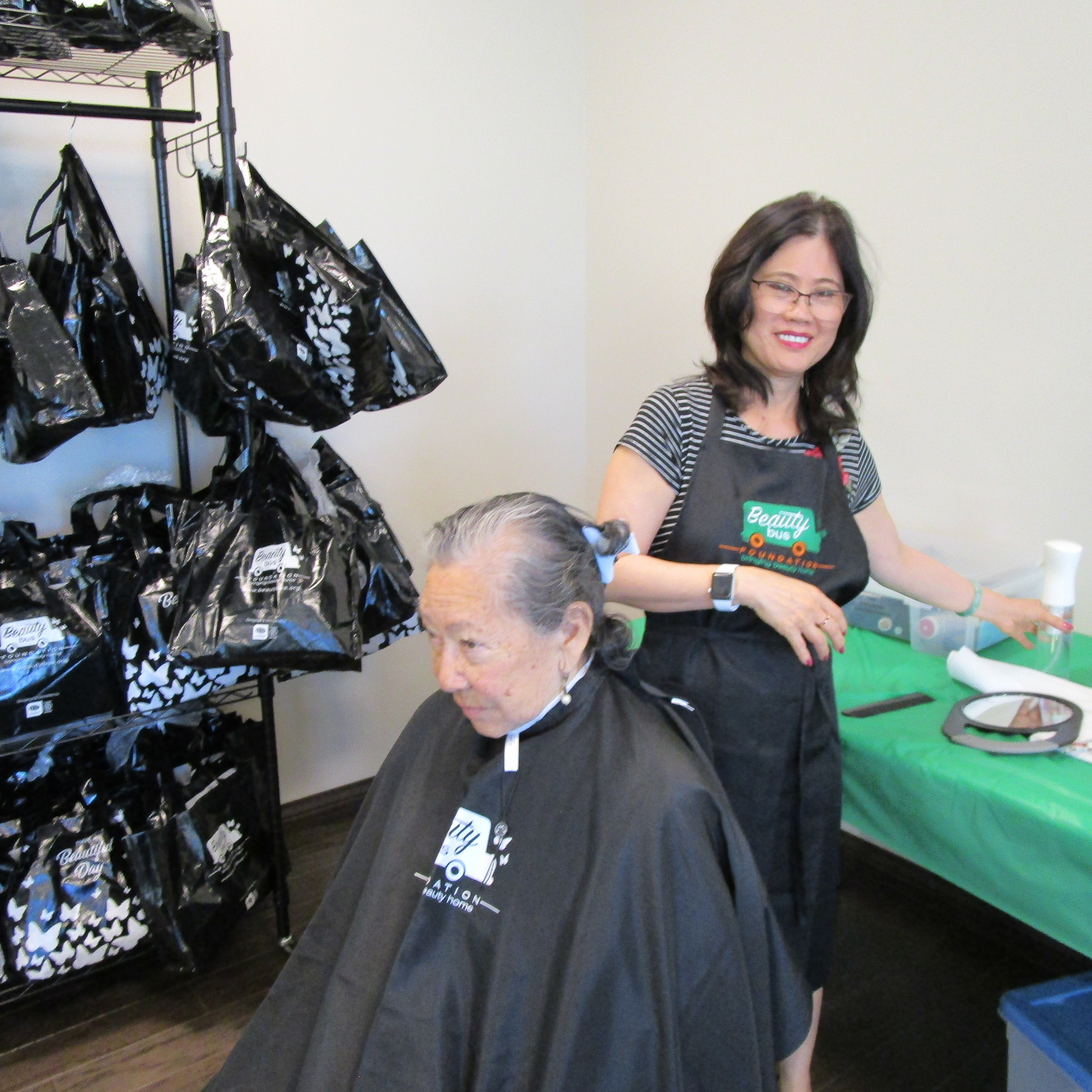 Salon Senior Scv Senior Center Pop Up Salon Beauty Bus