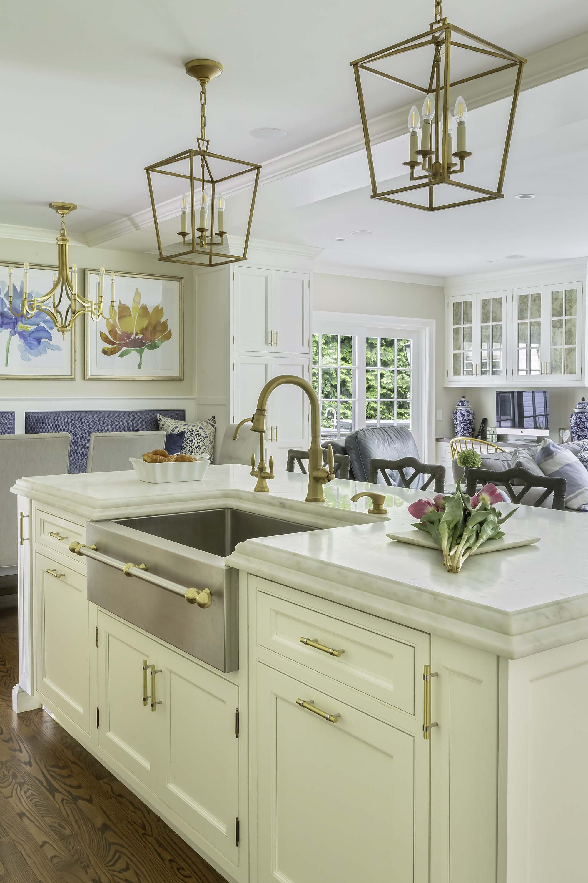 Warm And Welcoming Best Custom Kitchens In Long Island Showcase Kitchens Long Island Custom Kitchen Remodeling
