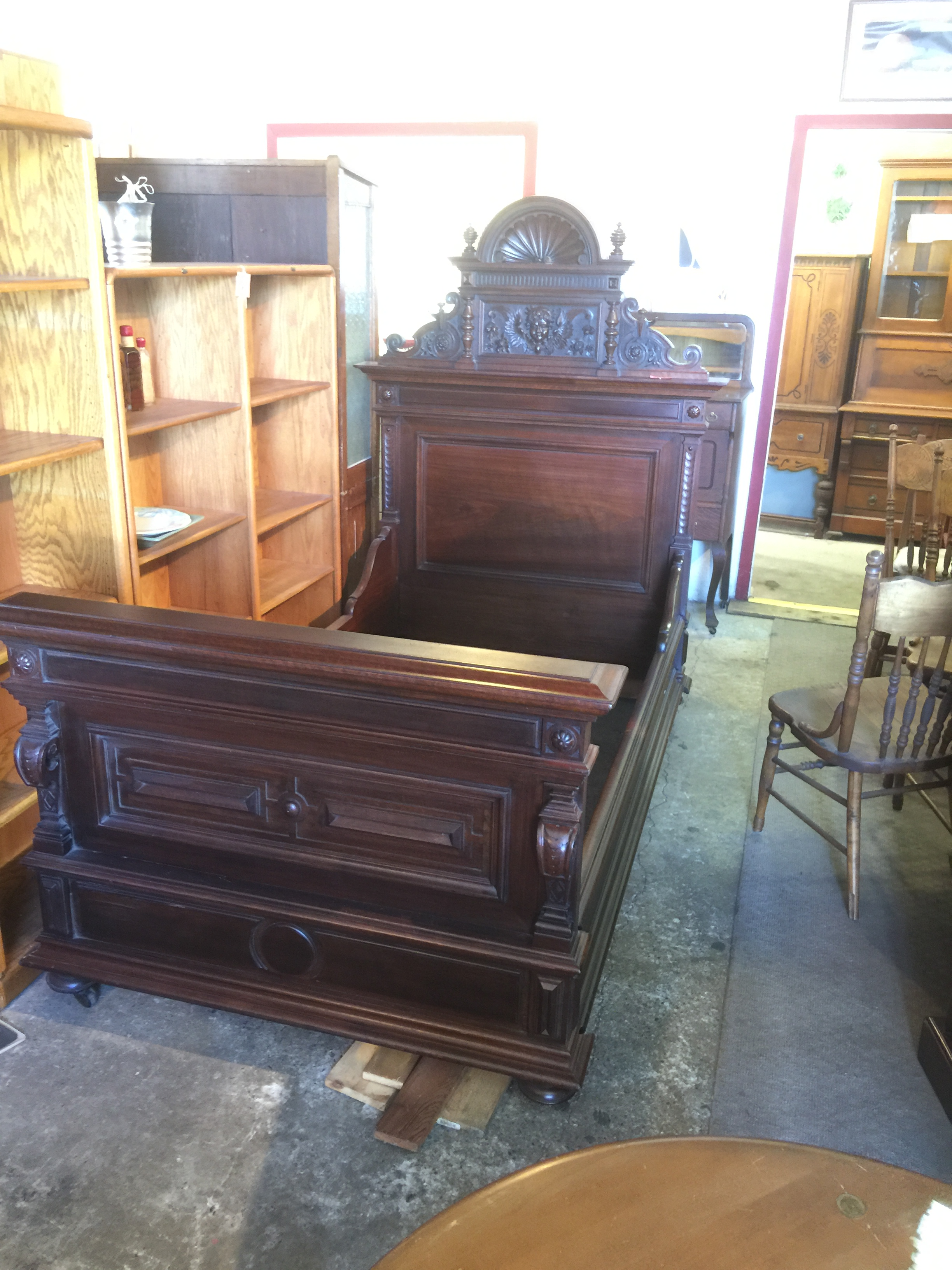 Antiques Secondhand Furniture