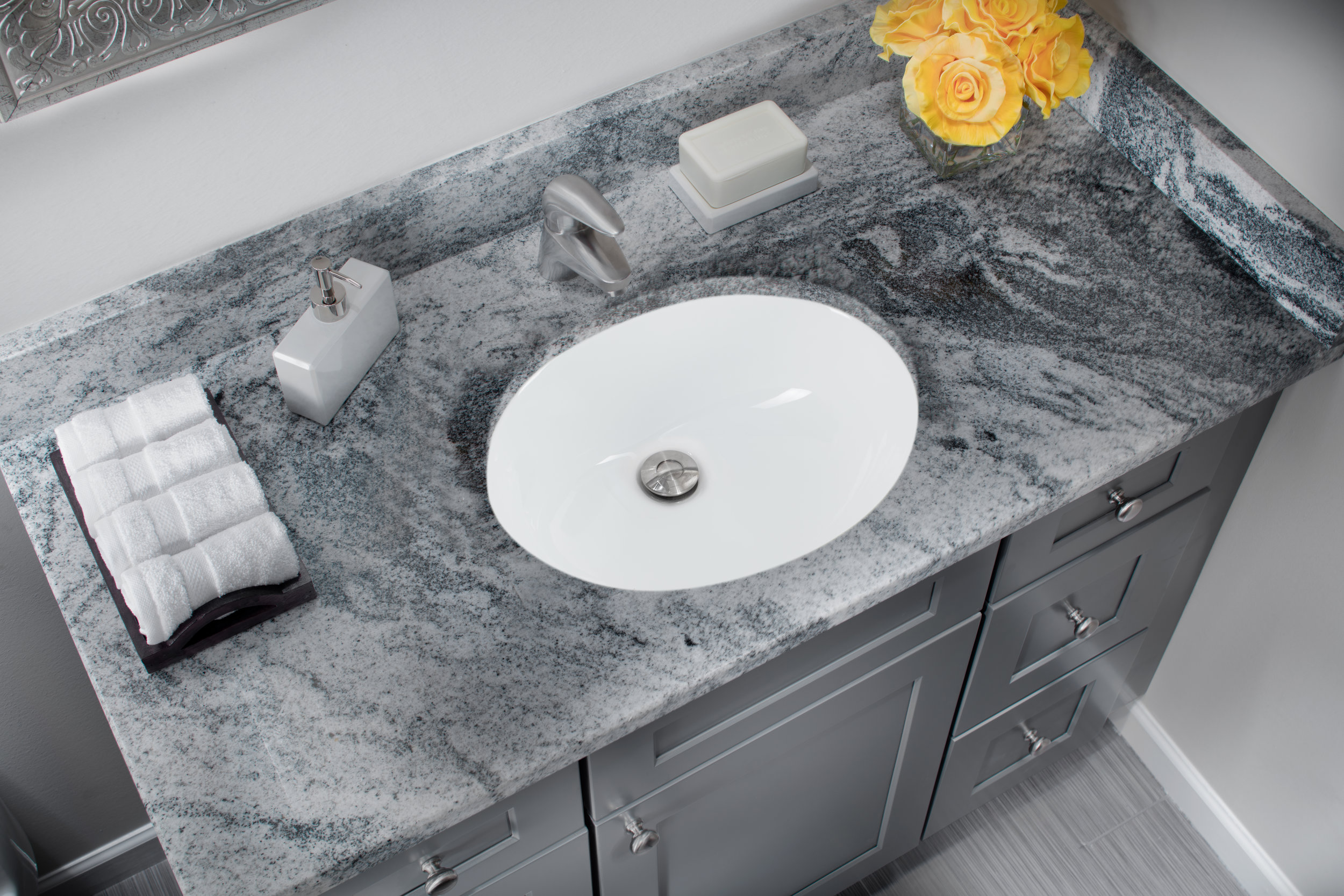 Undermount 19 1 4 In Glazed Porcelain Oval Bathroom Sink In White Cahaba Designs