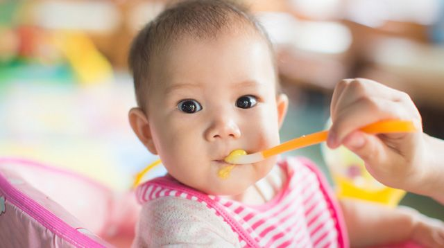 Feeding Your Baby A Guide on Solid Foods for Your 6-Month-Old SP