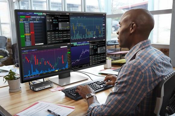 Dell\u0027s 43 Ultra HD 4K Multi-Client Monitor is a huge 4-screen - multi screen display