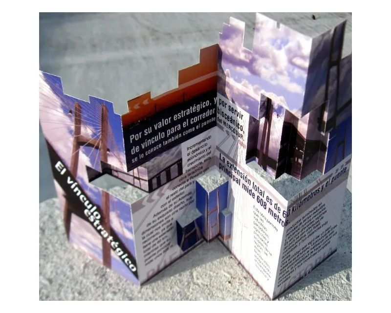 how to make a free brochure