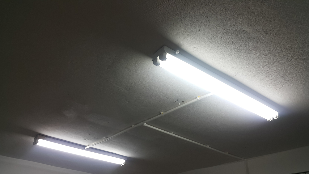 Fluorescent Lighting I Ve Always Wondered Do Fluorescent Lights Emit Uv And Can It