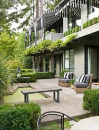 Outdoor Living Room | Traditional Home