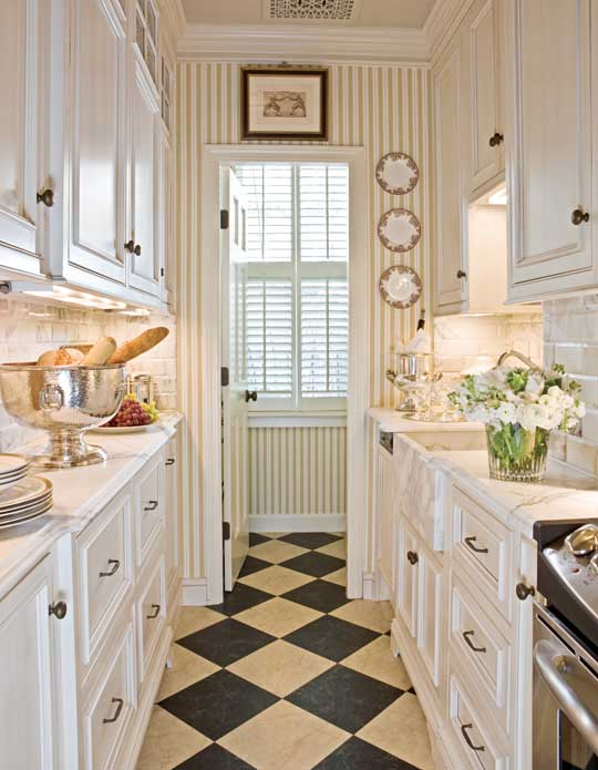 Beautiful, Efficient Small Kitchens Traditional Home - small kitchen layout ideas